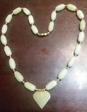 """JADE COLORED & GOLD BEAD NECKLACE HEART PENDANT VINTAGE ESTATE JEWELRY 11 1/2"""""""