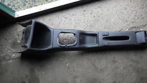 Mittelkonsole schwarz, VW Golf III, mit 2 Schaltern für Fensterheber 1H0 863 319