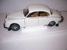Daimler 250 V8 1967 , Paragon PA98313R 1/18th scale