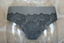 String gris et noir neuf taille 44 EUR marque Playtex