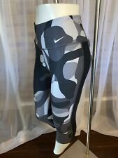 Womens Small Nike Capri Leggings