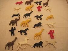 HUGE MIXED LOT OF 24 PLASTIC TOY FIGURES ANIMALS LION APE GIRAFF HORSE APE