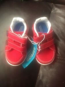 Surprize by Stride Rite Tanner Sz 5  red adjustable strap toddler shoes NWT