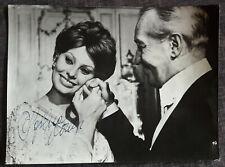 Original AUTOGRAMM von SOPHIA LOREN auf altem Film/Presse-Foto (2)