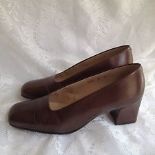 Enzo Angiolini Brown Leather Classic Pumps Heels Size 6