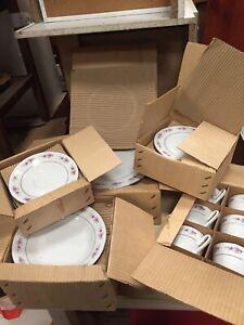 UNUSED Vintage Dinner Tea Set Pink Rose Plates Bowls Cups Saucers 6/10/A