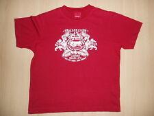 T-Shirt von ESPRIT mit Schriftzug & Reggae Beach-Bar-Motiv. Gr. 128/134, rot