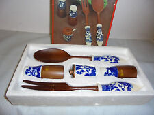 """Blue Willow """"Service A Salade"""", Fork, Spoon, S/P, Jar Box is 11.75""""x6.5"""" Vintage"""