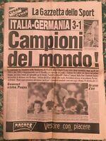 LA GAZZETTA DELLO SPORT ITALIA GERMANIA 3 - 1 CAMPIONI DEL MONDO 12 LUGLIO 1982