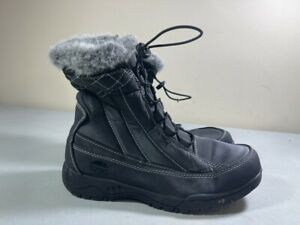 TOTES WOMEN'S BLACK SIDE ZIP FAUX FUR TRIM INSULATED EVE WINTER BOOTS SIZE 9W