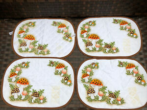 Lot of 4 VINTAGE SEARS & ROEBUCK Merry MUSHROOM Placemats Quilted 1981 NEW