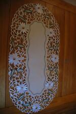 """Beautiful tablerunner with embroidered daises  ivory size approx 30x45cm/12""""x18"""""""