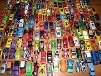 30 kleine + 3 größere Spielzeugautos Hot Wheels Matchbox Siku Guter Zustand!