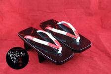 Vêtements traditionnels getas, zoris et tabis, provenance Japon