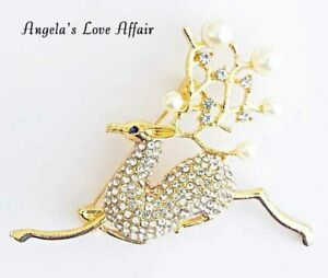 CHRISTMASY CHRISTMAS XMAS FAUX PEARL & CLEAR CRYSTAL DEER BUCK STAG BROOCH PIN
