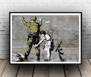 Banksy : Girl searching soldier street art Poster reproduction