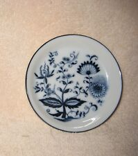 """BLUE ONION ~  3 3/4"""" Tiny Plate or Shallow  Dish~ Crossed Swords a ~ Arnart ??"""