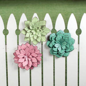 Set of 3 Dimensional Colorful Antique Look Metal Flower Garden Fence Wall Art