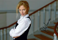 Julia Hansen - original handsigniertes Großfoto  - hand signed