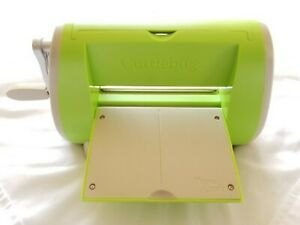 Cuttlebug Provo Craft Die Cutting Embossing Machine Crafting Scrapbooking Green