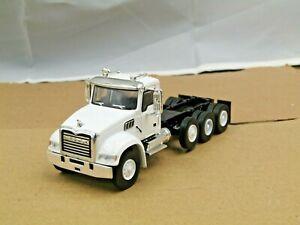 dcp/greenlight white/white Mack Granite cab&chassis truck 4 axle 1/64..,