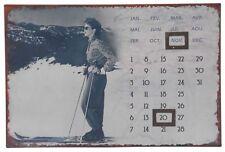 Calendrier aimanté déco montagne skieuse skieur à suspendre
