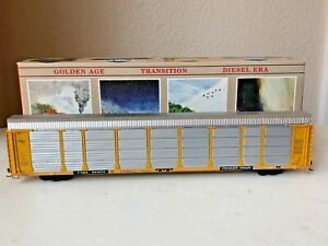 Walthers #932-4811 HO Built 89' Enclosed Auto Carrier-Milwaukee Rd #941079-EC