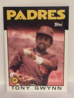 1986 Topps Tony Gwynn baseball card San Diego Padres NrMt  #10 MLB HOF 3b third