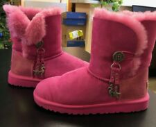 UGGS BAILEY CHARM BOOTS SIZE 6 MINT CONDITION RUNS BIG
