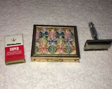 Vintage Lady Gillette razor in original case Metal With Embroidered Top