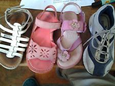 lot de sandales fille 29 + basket