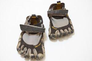 Vibram 5 Finger Black Gray Mens Athetlic Barefoot Shoes Sz 42 Barely Used