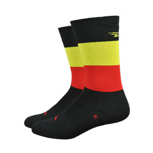 Defeet Thermeator 6 Inch Belgie Bicycle Cycle Bike Socks Black / Red / Gold