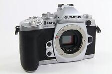 Olympus OM-D E-M1 Body silber, top Zustand, 5500 Auslösungen