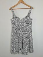 FOREVER NEW White Pleated Heart A-Line Party Dress Women's Size 12 Fit & Flare