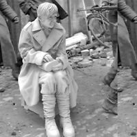1/35 Resin WWII German Female Prisoner of War unpainted unassembled BL216