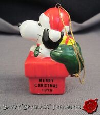 Vintage 1979 Ceramic Peanuts Snoopy As Santa Claus in Chimney Christmas Ornament