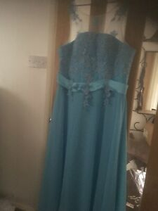 Prom / Bridesmaid Dress Size 18 / 2 Available
