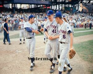 Size: 8 x 10 Jerry Koosman /& Tom Seaver New York Mets World Series Parade Photo
