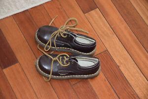 Doc Martins Dr Martens Original Brown Leather Shoes Kids Size 12M New