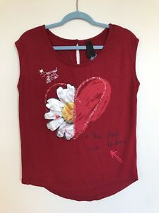 Desigual Red Short Sleeve Tee Shirt Size S Floral EUC