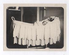 PHOTO ANCIENNE Enfant Bébé Portrait Vers 1930 Couffin Chambre Lit Landau