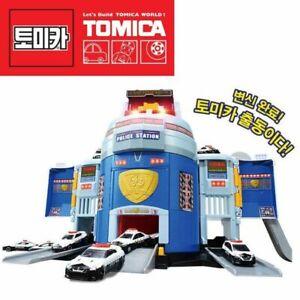 Tomica World Transformation! DX Police Station