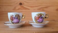 Tasses et sous-tasses miniatures en porcelaine (dinette)
