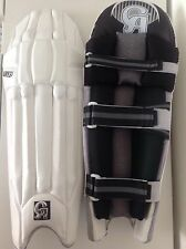 CA PLUS YOUTH CRICKET BATTING PADS LEG GUARDS LH RH REDUCED TO CLEAR