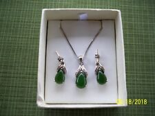 Women sterling silver Jade oval pendant necklace and earring Set from Canada