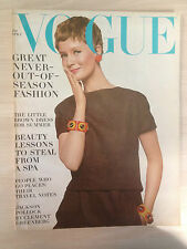 "VOGUE US APRIL 01, 1967 ""Great never out of season"" Collection Vintage Mode"