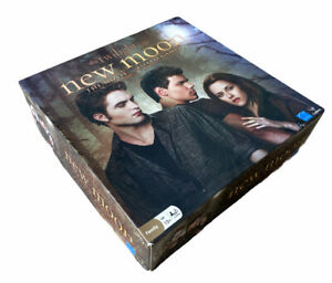 The Twilight Saga New Moon The Movie Family Board Game Ages 13+