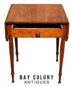 19TH C ANTIQUE FEDERAL PERIOD CURLY CHERRY DROP LEAF WORK TABLE / NIGHTSTAND