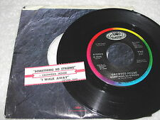 "Crowded House ""Something So Strong / A Walk Away"" 45 RPM,7"" Single, +Jukebox Tab"